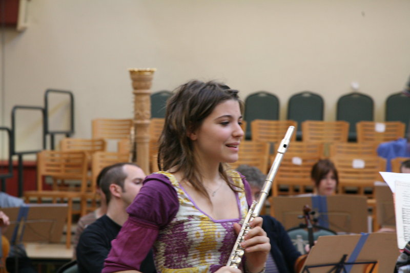 Flautist Yaiza Mata Naval rehearsing with the Amici orchestra